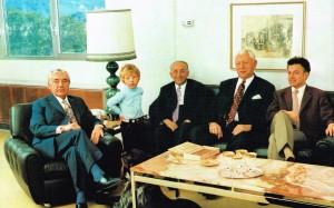 Drei Generationen der Familie MAYBAUM und Mitarbeiter